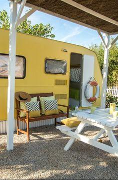 Este verano nos vamos de 'glamping'! Caravan Home, Kombi Home, Kombi Trailer, Camper Trailers, Camper Boat, Rv Campers, Camping Life, Rv Life, Glamping