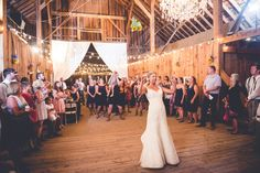 Bouquet toss! Felicia Events - Wedding Planning http://www.FeliciaEvents.com    Photo by Calvin Hobson Photography