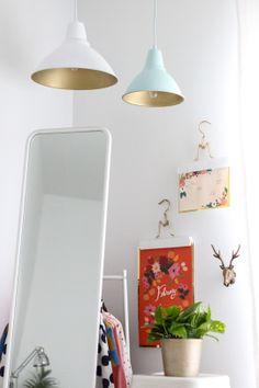 DIY golden pendant lights | sugarandcloth.com