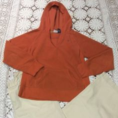 SZ LARGE🍁DUCK HEAD HOODED ORANGE FLEECE PULLOVER Great for the upcoming fall and winter seasons.. Rusty orange soft fleece hoodie in gently loved condition Duck Head Tops