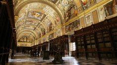La biblioteca del rey  Felipe II en el Monasterio de El Escorial. Madrid