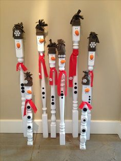Super cute snowmen! Up-cycled stair spindles, buttons and fleece scraps. Perfect for the yard or house!