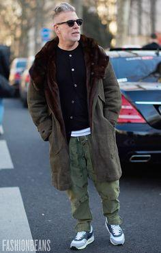 El estilazo de Nick Wooster aunque tambien sirve de ejemplo de como verse mas bajito.