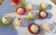 Kokosbällchen Fudge, Catering, Mini Cupcakes, Muffin, Food And Drink, Sweets, Diy Crafts, Cookies, Breakfast