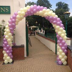 entrance balloon arch.