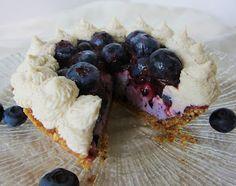 Fragrant Vanilla Cake: Mini Blueberries and Cream Pies