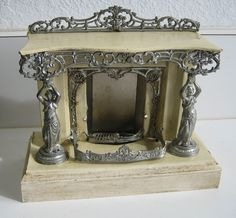 Exceptional German antique miniature dollhouse fireplace (wish I could afford) Antique Dollhouse, Diy Dollhouse, Antique Dolls, Vintage Dolls, Dollhouse Miniatures, Miniature Rooms, Miniature Houses, Miniature Furniture, Dollhouse Furniture