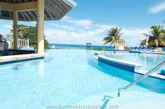 Swim up bar infinity pool at Jewel Runaway Bay