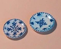 This site has amazing tutorials on moulding plates (fimo or DAS), decorating with pen then varnishing. Also resin bottles and woven baskets.