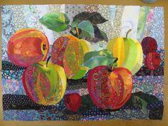 Валентина Максимова из Углича создает свои произведения в технике текстильного коллажа. Она «…будто подхватила нить старинного ж