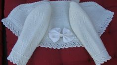 Beautiful baby jacket with lace trimming and grosgrain ribbon on the back. Knitted Baby Cardigan, Baby Pullover, Crochet Jacket, Baby Blanket Crochet, Crochet Baby, Knit Crochet, Knitting For Kids, Baby Knitting Patterns, Crochet For Kids