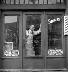 Jules Aarons, Paul the Barber, North End, Boston, 1950s