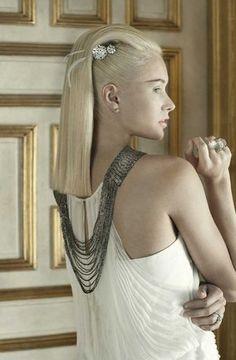 präsentiert von www.my-hair-and-me.de #women #hair #haare #blonde #blond #white #dress #weiß #necklace #kette