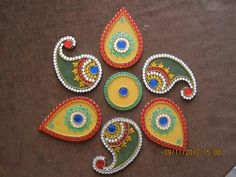 Wodden Rangoli with a combination of 2 shapes. Designs Rangoli, Rangoli Ideas, Rangoli Painting, Diwali Craft, Art N Craft, Festival Decorations, Mural Art, Bohemian Gypsy, Quilling