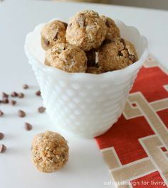 Peanut Butter Chocolate Chip Oatmeal Energy Bites.