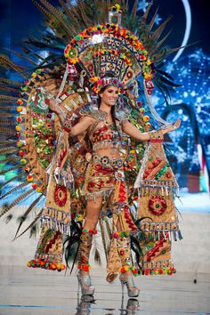 Miss Universe National Costume Show 2012 Miss Universe Costumes, Miss Universe National Costume, Carnival Girl, Brazil Carnival, Samba, Mexican Costume, Aztec Culture, Inka, Mexico Culture