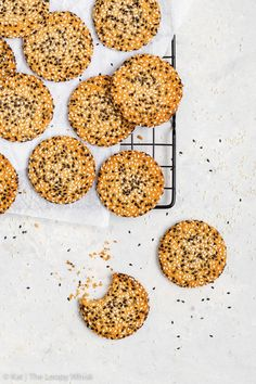 Quick + Easy Vegan Tahini Cookies (Gluten Free, Dairy Free, Vegan, Paleo) - If you have 30 minutes to spare, make these delicious vegan tahini cookies. They're healthy and easy to make – but more importantly, with their crispy caramelised edges, sweet chewy centre and an amazing tahini flavour… they're absolutely to die for. Easy cookie recipe. Quick cookies. Tahini recipes. Quick dessert recipes. Healthy dessert recipes. Healthy cookies. Vegan cookies. Vegan dessert recipes. #cookies #tahini Quick Dessert Recipes, Easy Cookie Recipes, Paleo Dessert, Dog Food Recipes, Baking Recipes, Pastry Recipes, Free Recipes, Quick Cookies, Cookies Vegan
