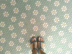 kitchen tile floor borders #bathroomtilefloorcolour