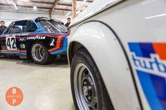 322 отметок «Нравится», 1 комментариев — neuemotorsports.com (@neuemotorsports) в Instagram: «Two of the most iconic 70s BMWs Photo: @bouchezphotography #neuemotorsports #bmw2002 #2002 #e10…»