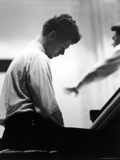 Van Cliburn with work the rest of the night..........   https://itunes.apple.com/us/album/beethoven-sonatas/id401508488   http://en.wikipedia.org/wiki/Piano_Sonata_No._14_%28Beethoven%29 -------------- This is the best I could find for you- http://www.moonlightpianosonata.com/listen-to-moonlight-sonata/  But no one plays it like Van Cliburn.  -------  Well, my intentions were good... but this was next up in itunes -  https://itunes.apple.com/us/album/blow-up-live-alternative-versions/id903874768