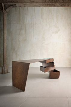 """Torque Desk"" by ""I M Lab"". Photographer: Alberi Auber Marco"