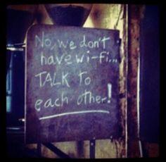 steeds meer restaurants verbieden of verzoeken om geen mobiele telefoons te gebruiken