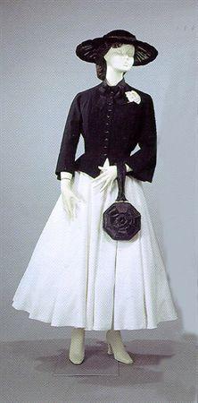 Casaquinha de lã preta. Museu Nacional do Traje e da Moda. MatrizNet