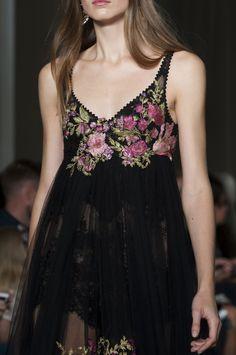 142 details photos of Marchesa at London Fashion Week Spring 2015.