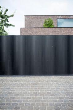House Fence Design, House Main Gates Design, Fence Gate Design, Front Gate Design, Back Garden Design, Gate Designs Modern, Modern Fence Design, Modern Entrance, Entrance Gates