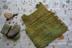 Onion/birch naalbinding socks by tanjaESK