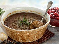 Kuva - Mari-mummon maksalaatikko Wine Recipes, Food And Drink, Beef, Cooking, Ethnic Recipes, Hygge, Finland, Christmas, Diet