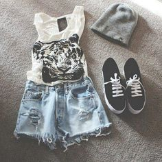 Love the tomboy look! Very cute and relaxed for summer.