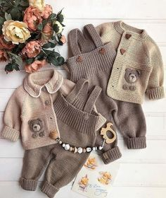 Knit Baby Dress, Knitted Baby Cardigan, Crochet Baby Clothes, Baby Blanket Crochet, Baby Booties Knitting Pattern, Baby Boy Knitting Patterns, Knitting Designs, Baby Sweaters, Burlap Wreath