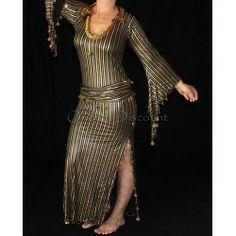 Robe baladi de danse orientale ornée de perles et pastilles dorées.  #robeorientale #danseorientale #robebaladi