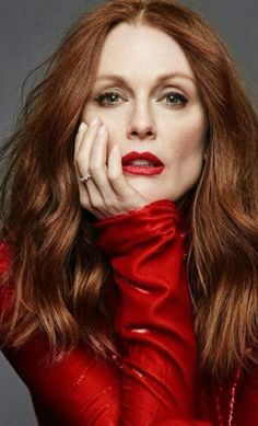 Age Is Just A Number According To 25 Hollywood A-listers - Julianne Moore, 58 Short Hairstyles For Women, Celebrity Hairstyles, Easy Hairstyles, Beautiful Red Hair, Beautiful People, Juliane Moore, Red Hair Color, Feathered Hairstyles, Hair Inspiration