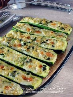 Baked au gratin mozzarella courgettes, excellent both hot and cold. Vegetable Dishes, Vegetable Recipes, Vegetarian Recipes, Healthy Recipes, I Love Food, Good Food, Yummy Food, Wine Recipes, Cooking Recipes