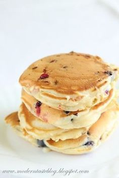 Modern Taste: Mascarpone pancakes with fresh fruit from my garden Crepes And Waffles, Tasty Pancakes, Fruit Pancakes, Eat Breakfast, Breakfast Recipes, Love Food, Food Inspiration, Sweet Recipes, Brunch