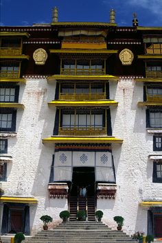 Potala Palace, Lhasa* Arielle Gabriel writes about miracles and travel in The Goddess of Mercy & The Dept of Miracles also free China toys and paper dolls at The China Adventures of Arielle Gabriel *