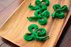 St. Patrick's Day Crafts to Do With Your Kids: Pipe Cleaner Shamrocks