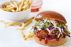 Tuck into one of these smoky BBQ chicken burgers, loaded with spicy mayo and coleslaw. Wrap Recipes, Easy Dinner Recipes, Dinner Ideas, Bbq Chicken, Grilled Chicken, Coleslaw Sandwich, Spicy Coleslaw, Shredded Chicken Sandwiches, Burger Recipes