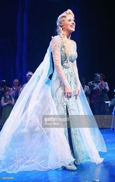 Costumes Broadway, Theatre Costumes, Musical Theatre, Frozen On Broadway, Frozen Musical, Frozen Movie, Anastasia Musical, Elsa Cosplay, Frozen Pictures