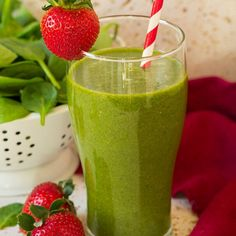 30 Super Healthy Smoothie Recipes & Easy smoothie Recipe 30 Super Healthy Smoothie Recipes – Easy smoothie RecipeNeed some quick and easy but healthy ideas for breakfast or post workout meals? Coffee Banana Smoothie, Almond Butter Smoothie, Matcha Smoothie, Smoothie Detox, Easy Healthy Smoothie Recipes, Spinach Smoothie Recipes, Easy Smoothies, Healthy Drinks, Cheeseburgers