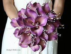 Purple Calla Lily Wedding Flowers, detail I like: shape of flowers creates a structured look to the bouquet Calla Lily Wedding Flowers, Purple Calla Lilies, Purple Flowers, Purple Lily, Pretty Flowers, Colorful Flowers, Bouquet Bride, Wedding Bouquets, Lily Bouquet