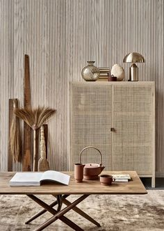 A minimal home in rattan and rust - Inspiring Interieur. Japanese Interior Design, Home Interior Design, Interior Styling, Interior Decorating, Decorating Games, Decorating Websites, Japanese Home Decor, Country Interior, Asian Design