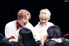 Jin & V BTS - Yeouido Fansign