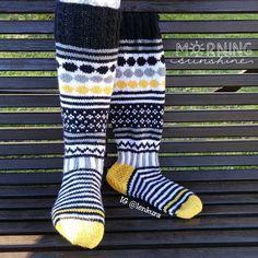 Taas vaihteeksi yhdet Jonmarit. Sisko antoi ne saksalaiselle vieraalleen ☀. #jonsukat #jonmarit #marisukat #kirjoneule #villasukat #voihanvillasukka #käsintehty #instaneulojat #socks #handknitsocks #sockknitting #knit #knitting #stricken #stickat #handmade #handknitted #knittingaddict Wool Socks, Knitting Socks, Free Knitting, Knitting Machine, Designer Socks, Marimekko, Knitting Projects, Knitting Ideas, Leg Warmers