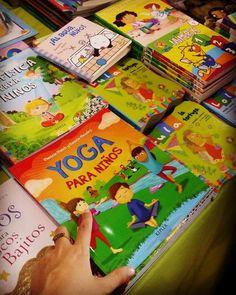 """En la Feria Internacional del Libro de Santiago, Chile, """"Yoga para niños"""", de Mariela Maleh y Daniela Méndez, EDICIONES URANO - Sector y Stand: C-19-20-21. Patricia Iacovone   Agente"""