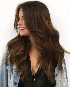 Selena Gomez's gorgeous waves for her Revival Tour, courtesy of celebrity hairstylist Riawna Capri