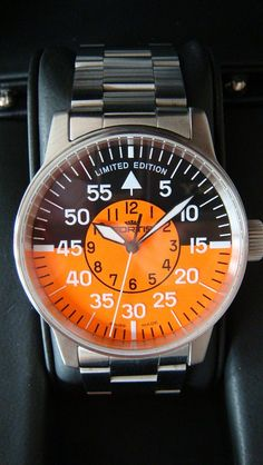 This Fortis flieger has a true classic military design but with a great orange twist to it. This limited edition is certainly one of my favorites from the modern Fortis ranges.