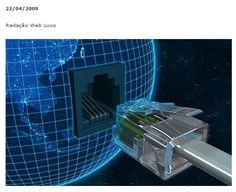 ACESSO A INTERNET VIA ELETRICIDADE JÁ FUNCIONA NO BRASIL  O serviço de eletricidade no Brasil é atendido por várias empresas onde sua tendência é sempre crescer para lugares mais distantes. Hoje essas empresas que prestam este serviço também estão investindo até mesmo em transmissão de dados, ou seja, serviços de internet. No Brasil foi regulamentada pela Anatel (Agência Nacional de Telecomunicações) o serviço e já funciona em alguns estados.